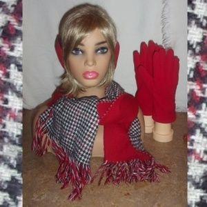 SET! Houndstooth Scarf, Fleece Gloves, Ear Grips